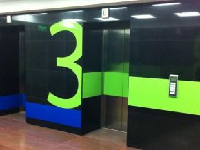 Panouri Plexiglas Decorate cu Autocolant